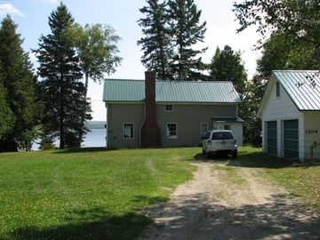 Madawaska Lake cottage rental - Cottage from Access Road
