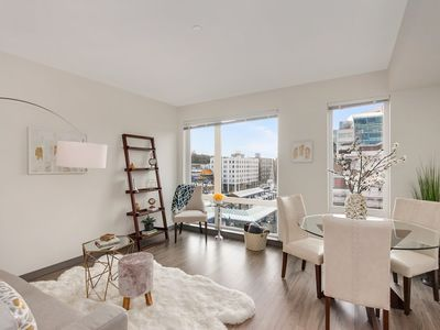 High-end 1 BR Apartment in Seattle Icon