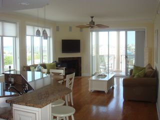 Belmont Towers Ocean City condo photo - Great Room