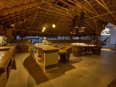 Palapa alfresco kitchen, dining, media center, dining for 14 + persons