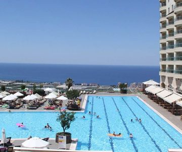 1 BDR Flat Located in Villa in Alanya in Special Complex w/ Amenities
