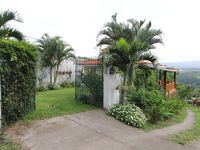 Lovely Cottage with Fantastic Views of Volcanoes and the Entire Central Valley!