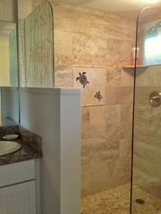 Napili condo photo - Beautiful new tiled and granite bathroom.