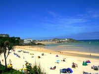 Luxurious 5 star gold award rated, 3 bed apartment overlooking the beach and sea
