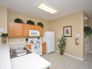 Windsor Hills townhome photo - Fully Equipped Kitchen