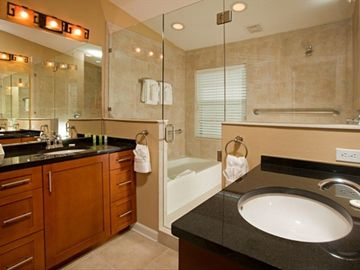 Luxurious En Suite Bathroom with Walk in Shower