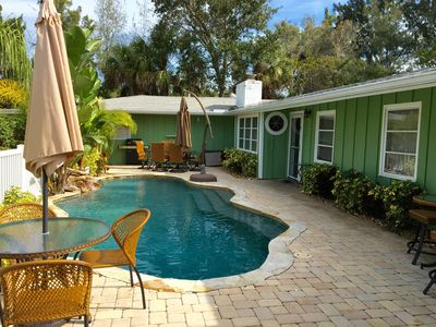 Beautiful HEATED saltwater pool & patio with gas BBQ grill.