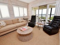 Lands End 9-401, 2 Bedroom, Sleeps 4, Gulf Front, Heated Pool, Spa, WiFi