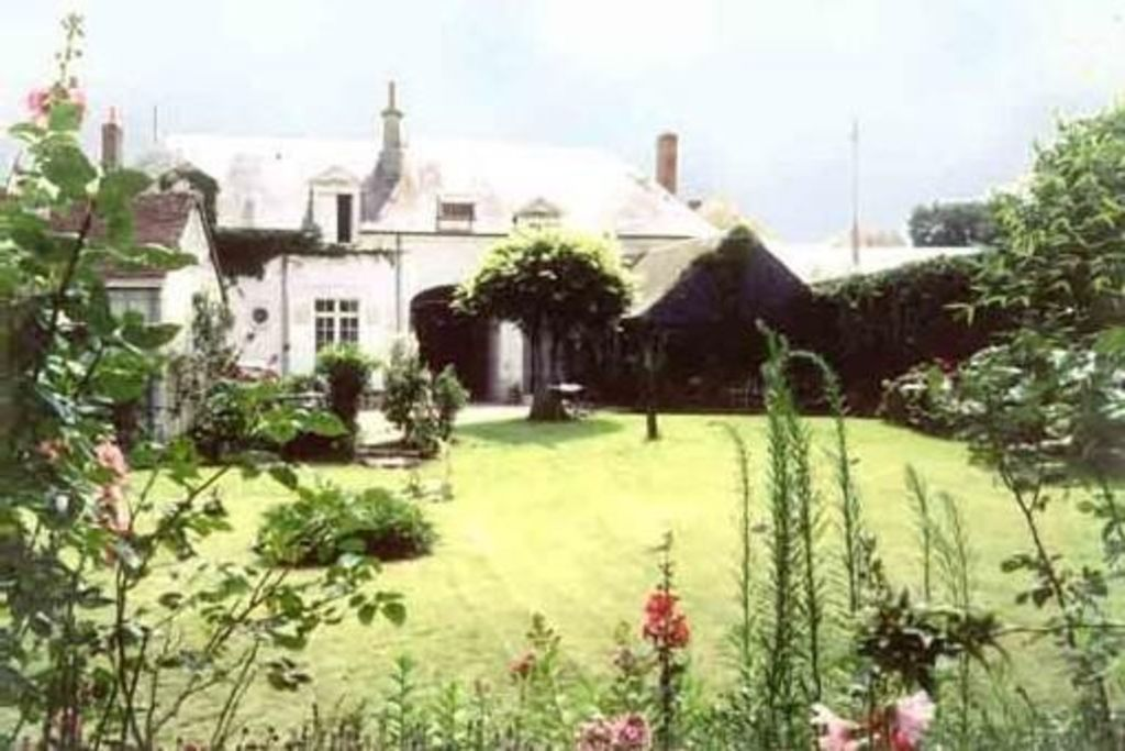 15 minutes from Beauval Zoo, charming family house, 19th century smithy