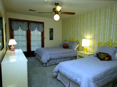 Upstairs north-middle bedroom w/ full and twin beds, shower & balcony BR (4)