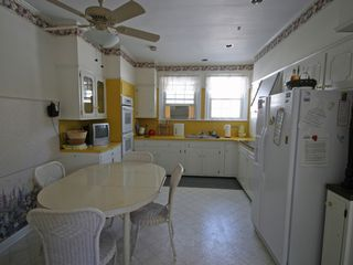 Wildwood Crest estate photo - Cheerful Kitchen