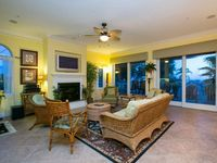 Beautiful 3 Bedroom/2.5 Bath Condo that sits a Short Walk to the Beach on tranquil Anna Maria Island