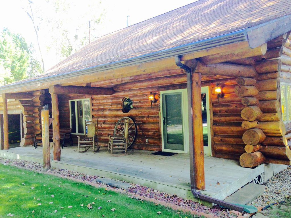 Family Friendly Log Home 1 Br Vacation Cabin For Rent In Mears Michigan