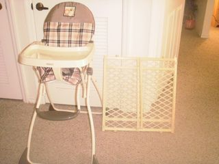 Venetian Bay condo photo - High chair and gate