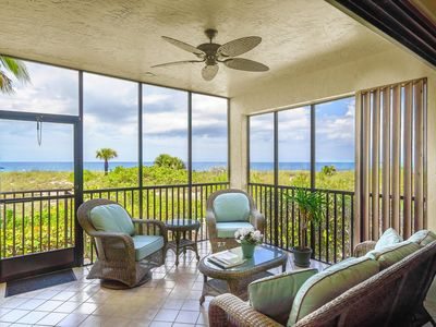 Open Air Lanai With An Unobstructed View Of the Ocean & Beaches