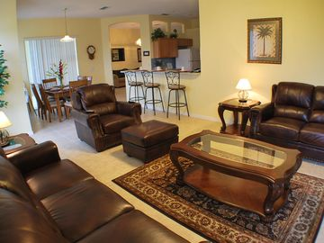 Living/Dinning 1: Open Layout, Ample Sitting