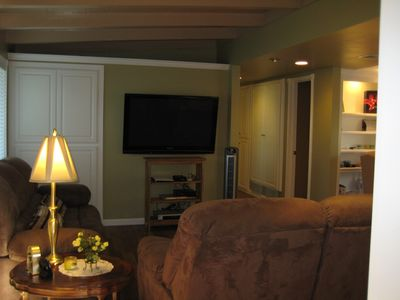 Entertainment center with a 50' flat screen TV and 7.1 surround sound