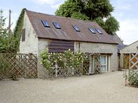 SYKES HOUSE COTTAGE, family friendly in Halford, Ref 2904