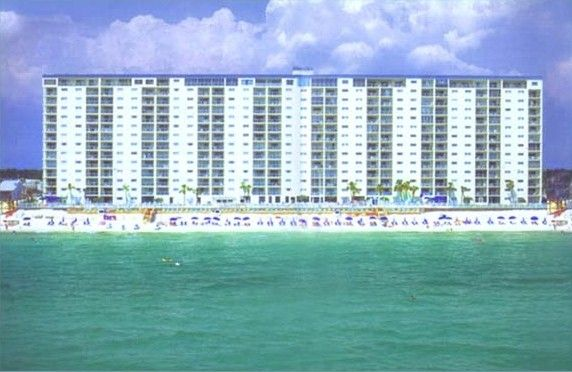 Book this 3BR Gulf Front now for your summer vacation.
