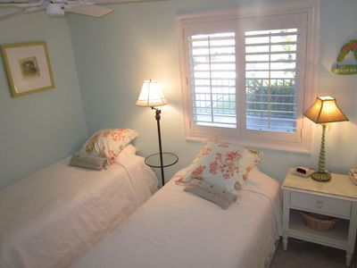 Guest Bedroom - 2 New Comfortable Twin Beds, Ceiling Fan, Flat Screen TV & DVD.