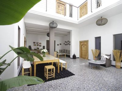 Riad in Marrakesh with a terraced jacuzzi and a view of the Atlas Mountains