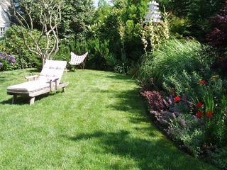 Montauk house photo - Charming perennial garden