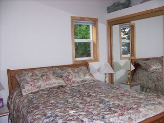 Eastsound cottage photo - The bedroom and wonderful queen bed