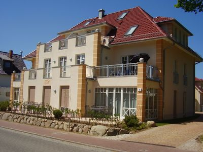 Sunny 3 room apartment, few minutes to beach, 2 balconies