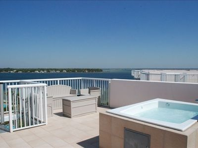 Roof top terrace with private jacuzzi and wet bar
