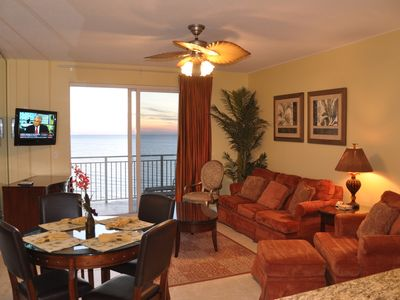 Sterling Reef 2 Bedroom 2 Bathroom Living Area