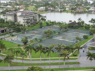 South Seas Club condo photo - Tennis courts / Bowling