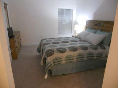 Spacious Master bedroom, with queen size bed and walk in closet.
