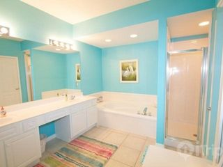 Orange Beach condo photo - Master bathroom