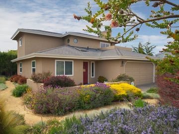 Cambria house rental - Home is nicely landscaped & there is a front patio area to sit & enjoy the quiet