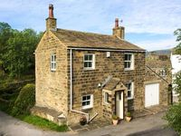 HOLME HOUSE COTTAGE, with a garden in Oakworth, Ref 919042