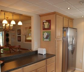Lancaster townhome photo - Kitchen Opens to Dining Area with a Breakfast Bar