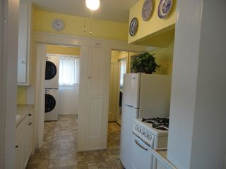 Anaheim cottage photo - Fully equipped kitchen ,Pot,Pan, Dishware,Toaster,Microwave,Coffee Maker etc...