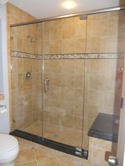 Shipyard villa photo - Nice seat in shower for your use