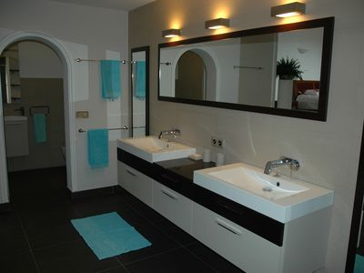 new en suite master bathroom 01.06.2012