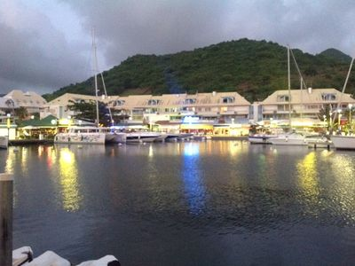 Dining alfresco in Marigot.