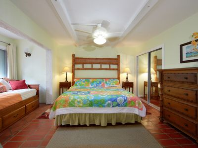 Garden Bedroom: King sized bed, day bed, chest of drawers, chair, & sleeps 4.