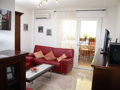 Homely furnished apartment that lacks nothing - at home!