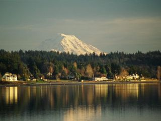 Bremerton apartment photo - Dyess Inlet with view of Mt Rainier