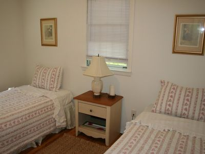 East Hampton house rental - Bedroom w Twin Beds