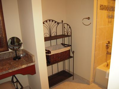 More of the master bath...