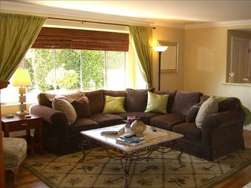 Anaheim house rental - Luxurious Living Room: fine furniture, 40' flat screen cable tv, wifi, fireplace