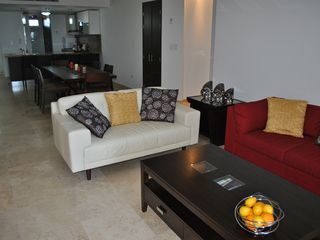 Aruba condo photo - Luxurious and tastefully furnished Living Room