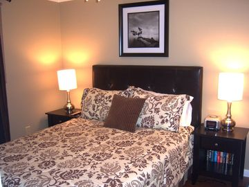 "2nd. bedroom w/queen size bed - 32"" flat TV"