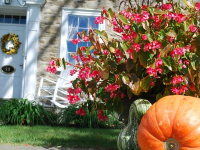 Lancaster farmhouse rental - We always decorate for the seasons!