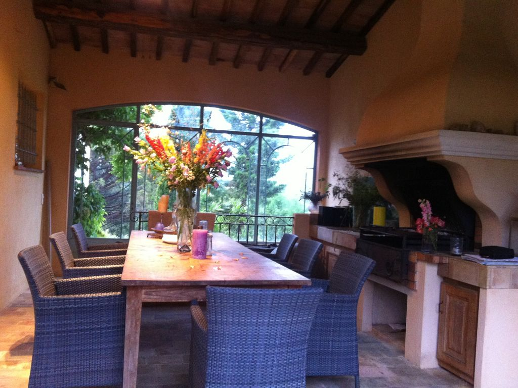 House near the beach, 600 square meters, great guest reviews